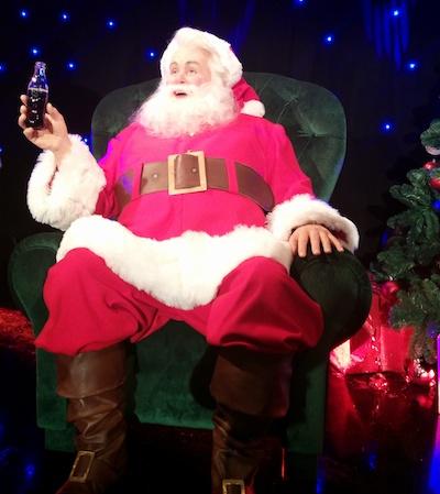 Le père Noël entre au musée Grévin